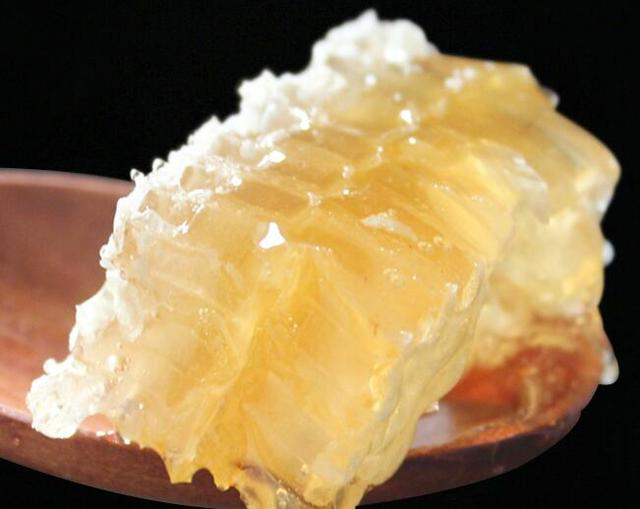 蜂蜜和蜂巢蜜一起吃吗?蜂巢蜜和蜂蜜有什么不同?